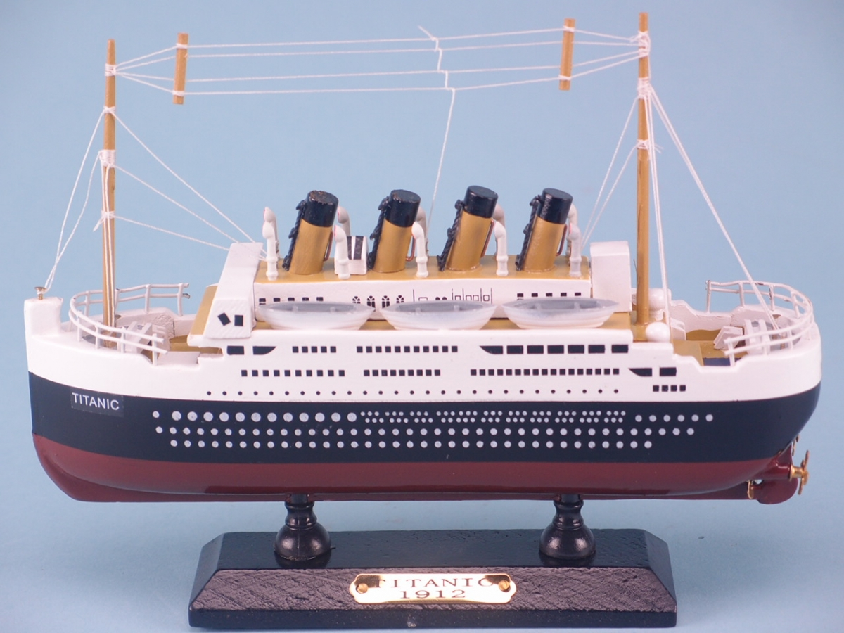 Titanic Cruise Ship Model - 8 inch